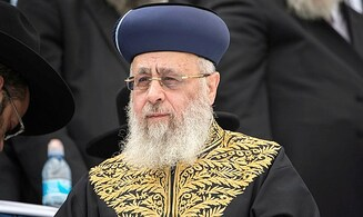 Rabbi Yitzhak Yosef condemns illegal holding of public prayers against health orders