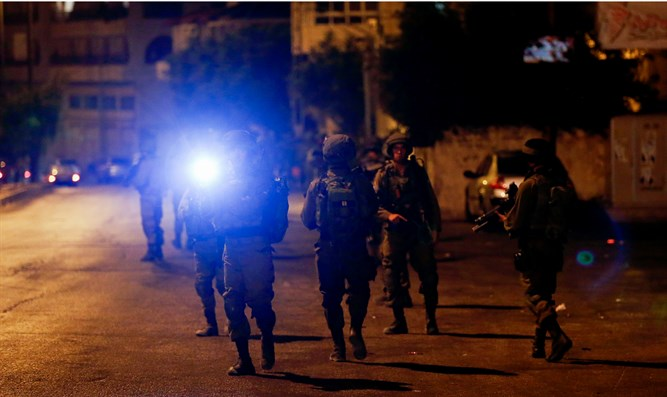IDF forces during night-time operation (archive)