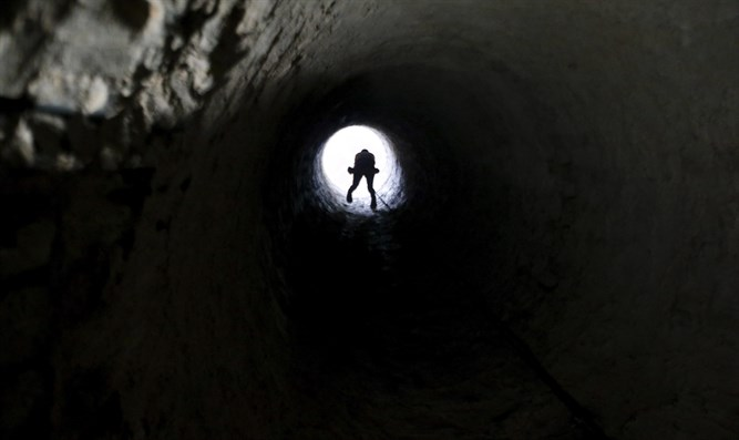 Smuggling tunnel beneath border between Egypt and Gaza