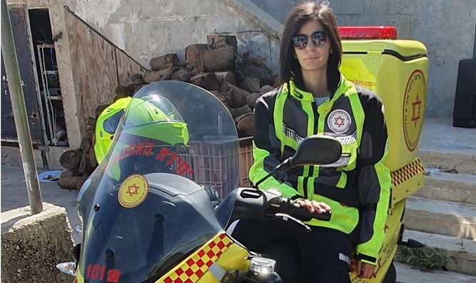 Balkees Abu Awad - first Druze medi-cycle paramedic in MDA