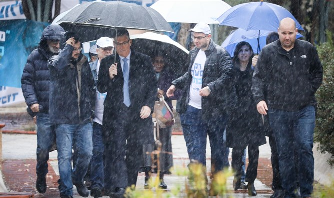 Sa'ar coterie votes in stormy Likud primaries
