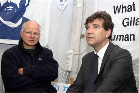 Noam Shalit and French MP Montebourg