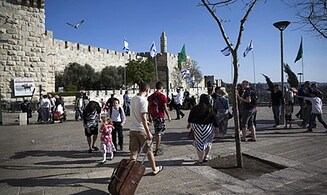 Jews Flock to Jerusalem – Pictures