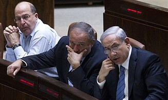 52% of Israelis prefer Ya'alon as Defense Minister
