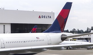 Flight attendants sue Delta for discrimnation
