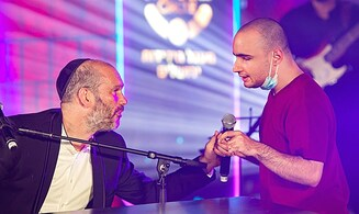 When a blind young man sang with Yonatan Razel