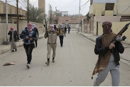 Al Qaeda fighters take over the twn of Ramadi