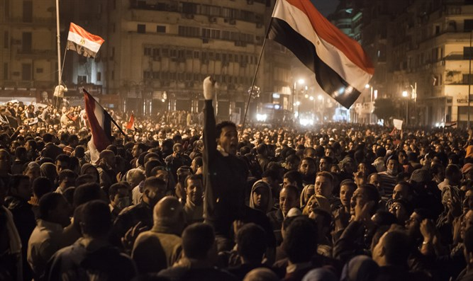 "Masses in Cairo during ""Arab Spring"""