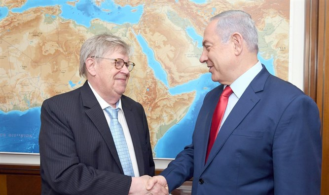 PM Netanyahu with Olli Heinonen.