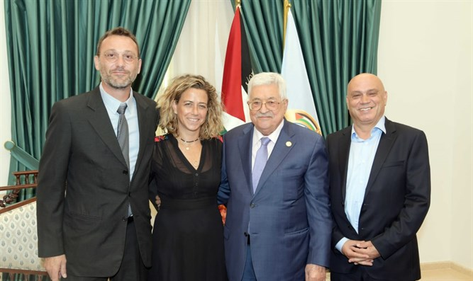Noa Rothman and Esawi Frej meet Abbas