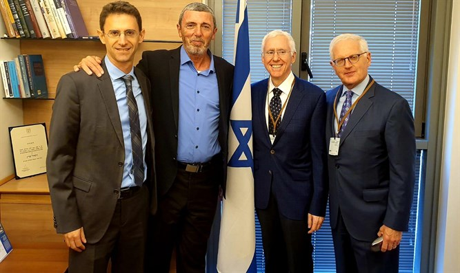 Peretz with Brown (left), Kohr (right), and Fridman (center-right)